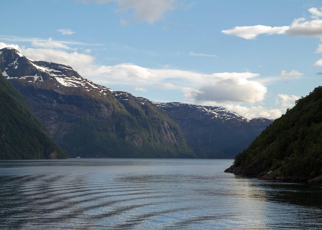 fjord-285140_1280