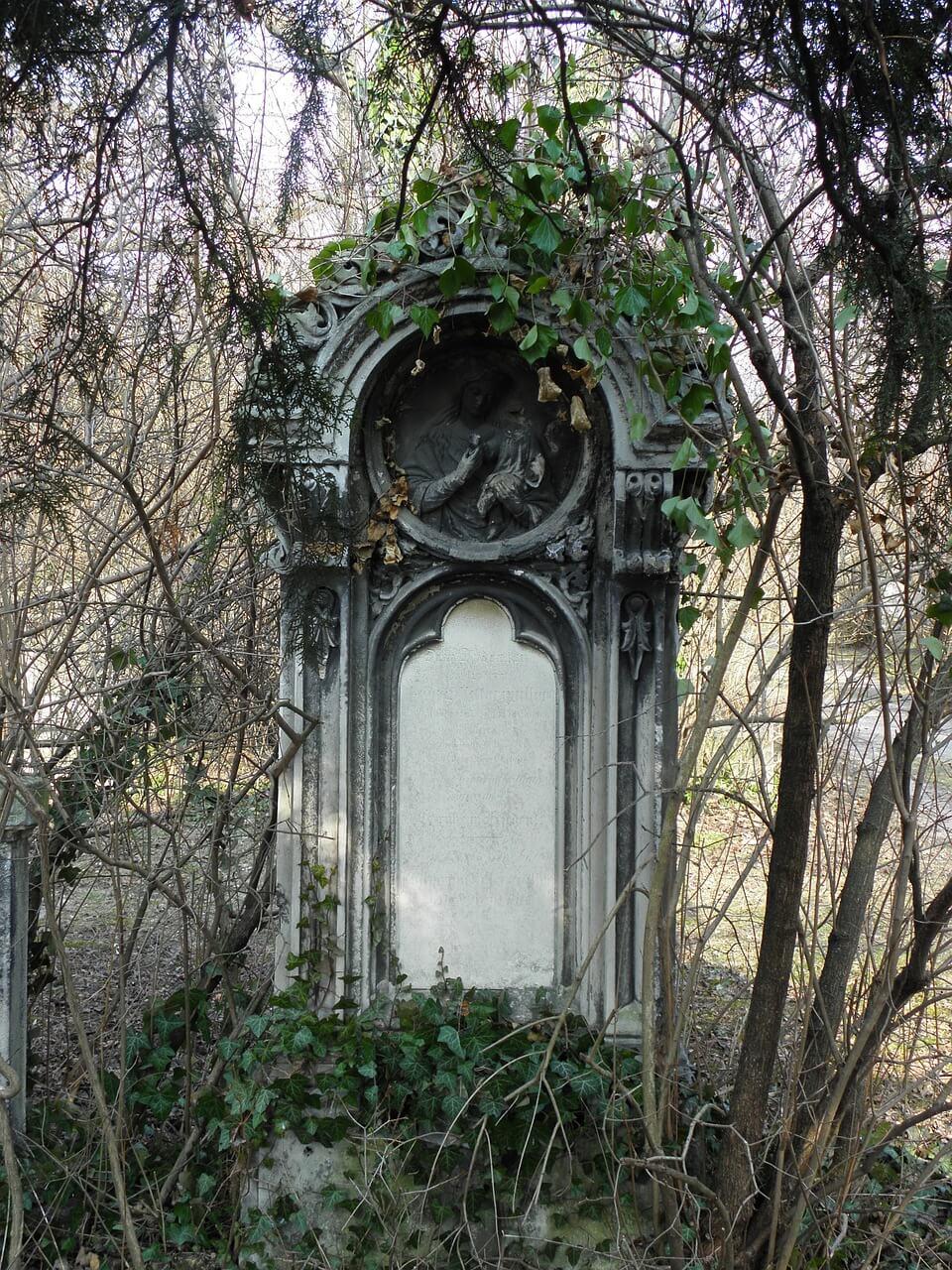grave-212597_1280